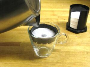 comment se pr parer un caf avec un aeropress blog des caf s pfaff. Black Bedroom Furniture Sets. Home Design Ideas